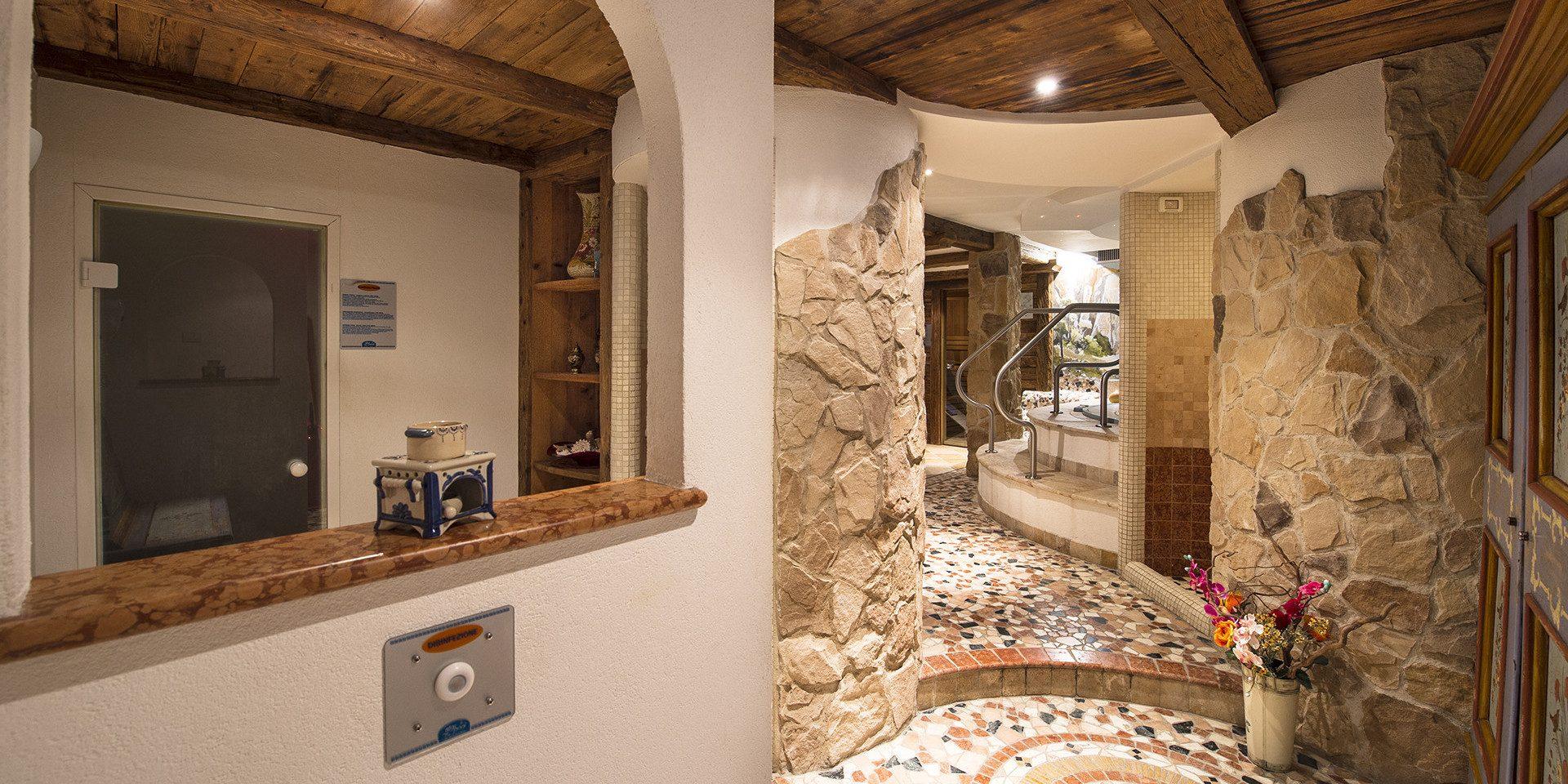Centro Benessere Hotel De Mat 236 E Canazei Val Di Fassa